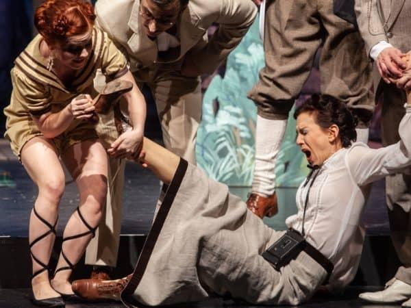"""ensemble mittsommernachtssexkomoedie quer copyright sebastian hoffmann 2974 46898404172 o 600x450 - """"Eine Mittsommernachts-Sex-Komödie"""" am Theater an der Rott."""